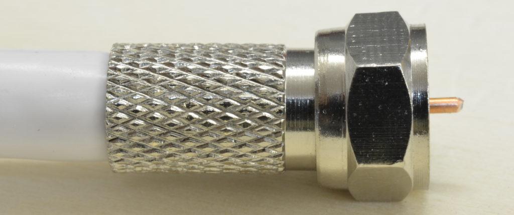 Relativ F-Stecker aufbringen - Der Elektriker TJ32